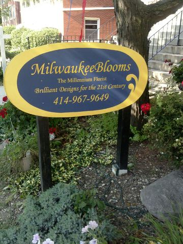 Outside sign for Miilwaukee Blooms