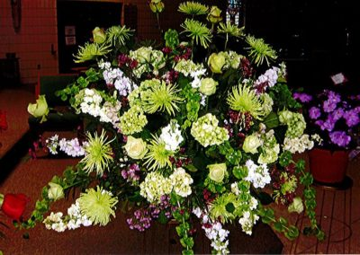 Soothing Lushes Green Sympathy Boquet